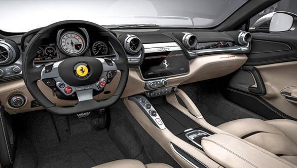 Ferrari GTC4Lusso (4)
