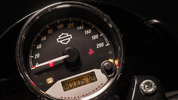 The 2017 Harley-Davidson Street Rod meters is actually just the one meter. It has a nice rev-counter, and a small digital readout that offers the fully range of information. Legible and neat.