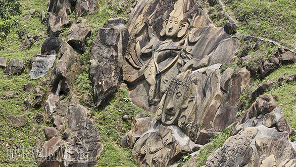 The jaw-dropping stone carvings in Unakoti, Tripura are simply beyond belief