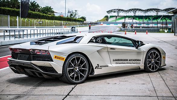 Lamborghini Aventador S (7)
