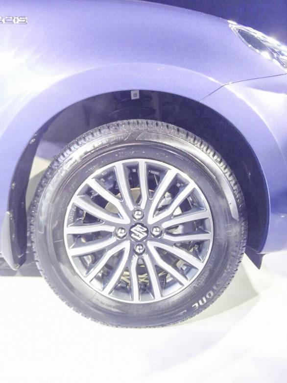 Maruti Suzuki Dzire 2017 (9)