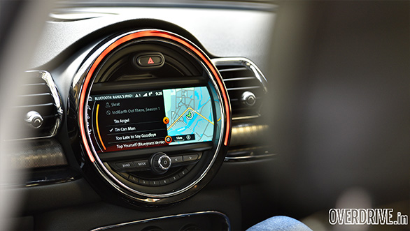 The optional touchscreen infotainment offers good graphics and a lot of information
