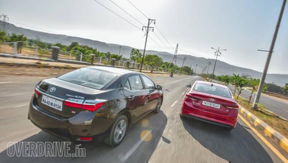 Toyota Corolla vs Hyundai Elantra 2 (6)