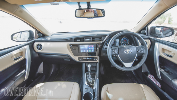Toyota Corolla vs Hyundai Elantra (68)