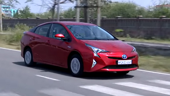 2017 Toyota Prius - Review