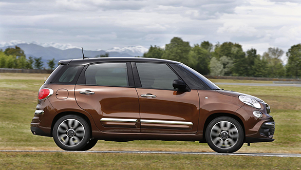 fiat 500l facelifted with three new versions urban wagon. Black Bedroom Furniture Sets. Home Design Ideas