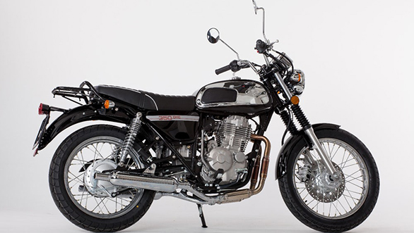The 2017 Jawa 350 OHC also comes in black and looks more subtle than the red-chrome version