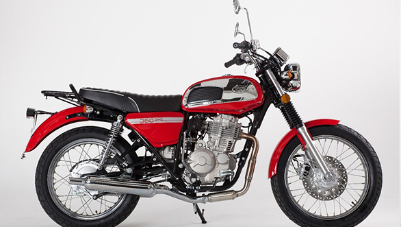 The red and chrome treatment on the Jawa 350 OHC is a tribute to the retro classic bike of the 70s