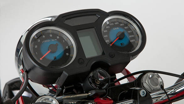 The 2017 Jawa 660 Vintage  uses a comparatively more modern cluster with digital display in the center