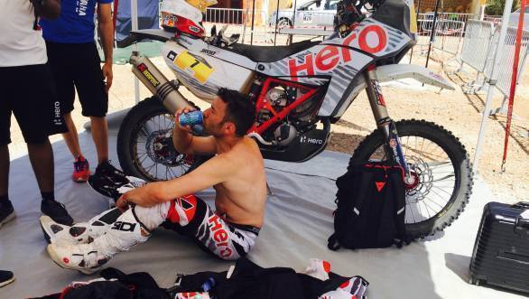 Joaquim Rodrigues resting after what was something of a tough day for him at the Merzouga Rally