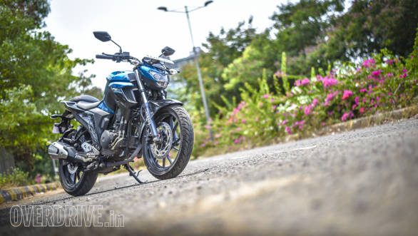 2017 Yamaha FZ25 road test review