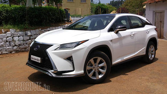 Like with all of the brand's latest cars, the Lexus RX 450h features a very aggressive design theme