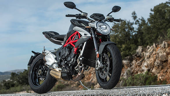 The 2017 MV Agusta Brutale 800 meets Euro IV and makes 110PS of peak power. Torque is up 25 per cent and MV says 80 per cent arrives before 4,000rpm