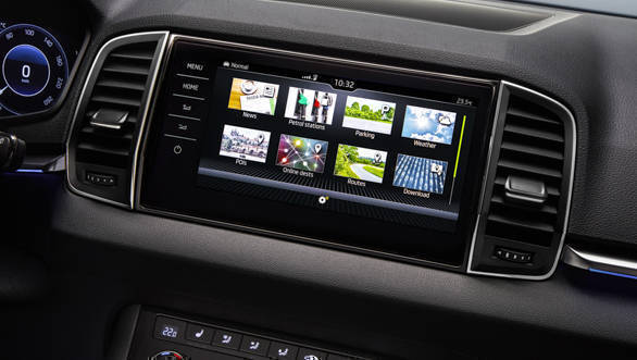The infotainment system in the Skoda Karoq will be compatible with Apple CarPlay, Android Auto as well as MirrorLink. Skoda states that the basic system with come with SmartLink+ system