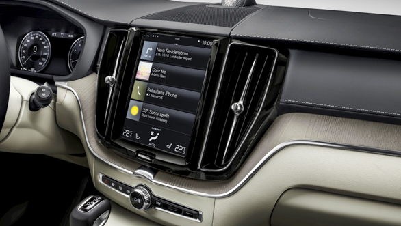 The new Volvo XC60 Sensus centre display updates