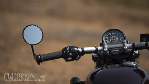 Triumph Bonneville Bobber detail - meters and bar