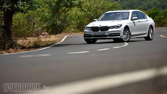 2017 BMW 740Li (25)