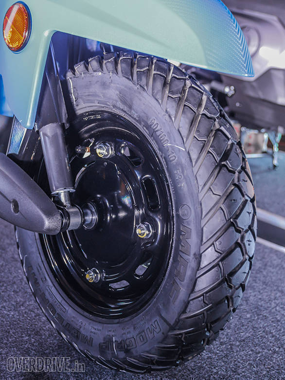 These Ceat tyres offer a block tread and HMSI says that these will offer better grip on patchy surfaces and will also be durable
