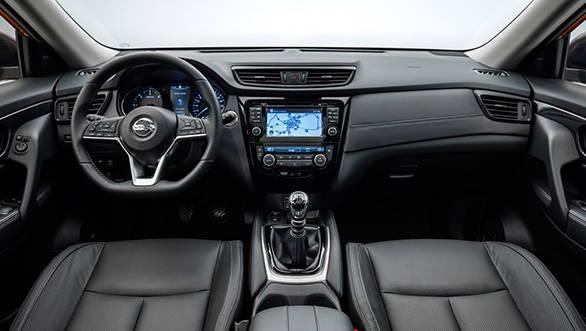 2017 Nissan X-Trail (1)