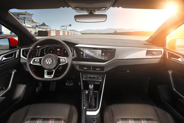 2017 VW Polo GTI (3)