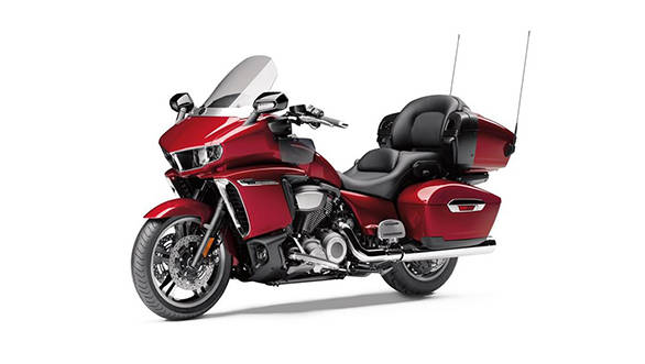 The 3.5-inch windshield can be electrically adjusted, according to the rider's convenience