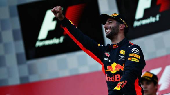 F1 2017:  Daniel Riccardo wins chaotic Azerbaijan Grand Prix