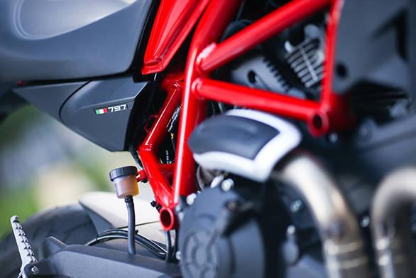Ducati Monster 797 web (47)