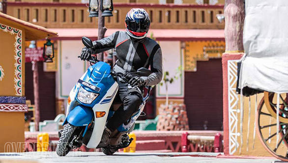At 6ft tall, I had to watch my knees when turning with the handlebars against the stops on the Honda Cliq