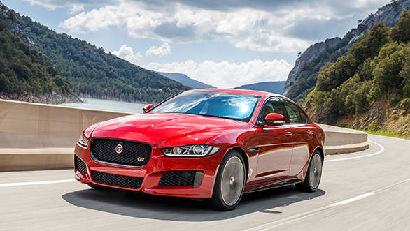 2018 Jaguar XE, XF and F-Pace get new 300PS Ingenium petrol engine