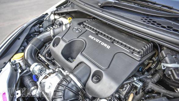 Maruti Suzuki Dzire vs Tata Tigor vs Hyundai Xcent-59
