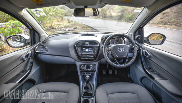 Maruti Suzuki Dzire vs Tata Tigor vs Hyundai Xcent-63