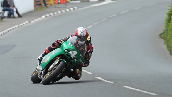 IOMTT 2017: Michael Rutter claims victory in Lightweight Supertwins race