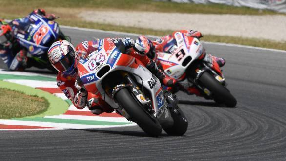 Here Dovi leads from Petrucci and Vinales