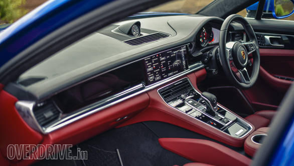 The interior of the 2017 Porsche Panamera Turbo is no less beautiful!