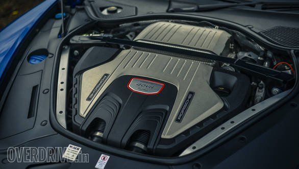 The new V8 features a hot-V turbocharger, and produces 550PS from 5,750-6,000rpm and 770Nm between 1,960-4,500rpm