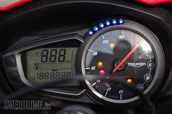 Triumph Street Triple S 675 (18)