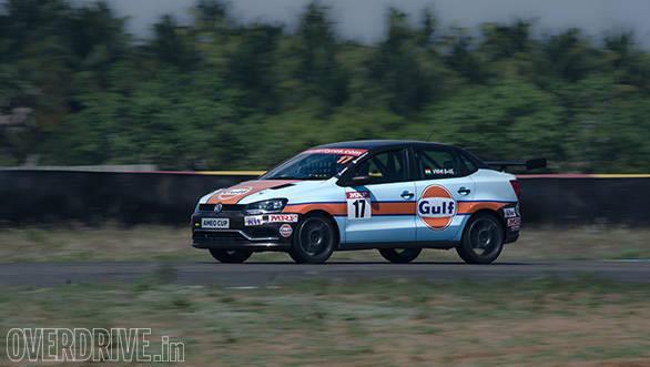 Volkswagen Ameo Cup racecar (16)