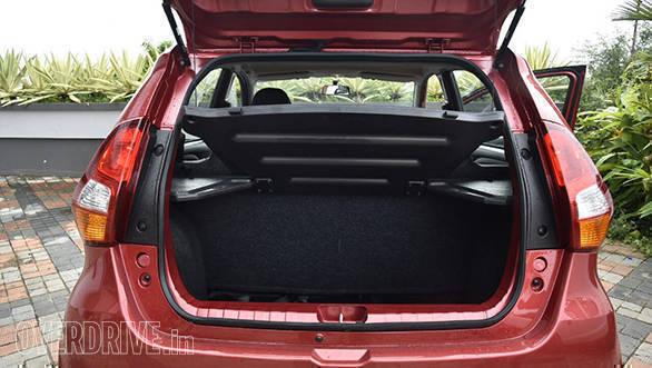 2017 Datsun redi-GO 1.0 (45)