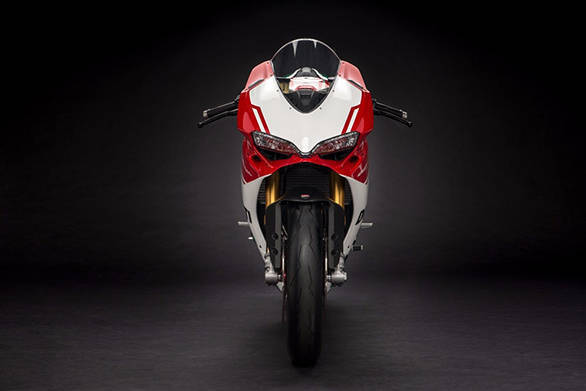 The 2017 Ducati 1299 Panigale R Final Edition looks identical to the Panigale R from front