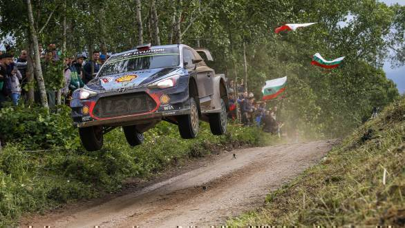 Thierry Neuville and co-driver Nicolas Gilsoul in their Hyundai i20 Coupe WRC en route first place at the Rajd Polski