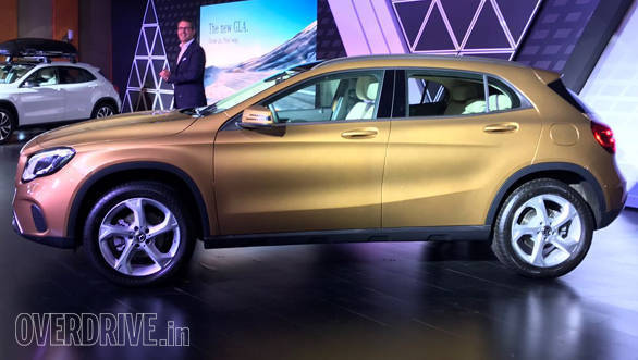 2017_Mercedes-Benz_GLA_India_2