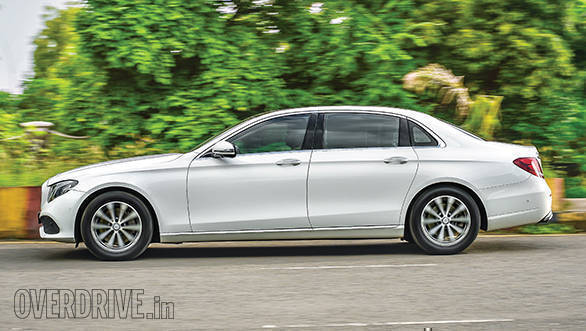 BMW 530D vs Mercedes-Benz E350D (8)