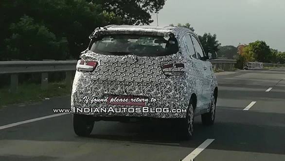Mahindra-KUV100-Facelift-Spy-Shots-Rear-Three-Quarters-1024x819