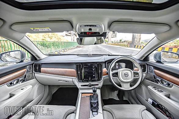 Mercedes-Benz E220d vs Volvo S90 (5)