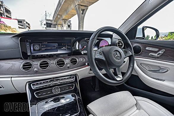 Mercedes-Benz E220d vs Volvo S90 (8)