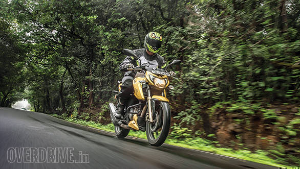 TVS Apache RTR 200 4V - August 2017 Long Term (1)