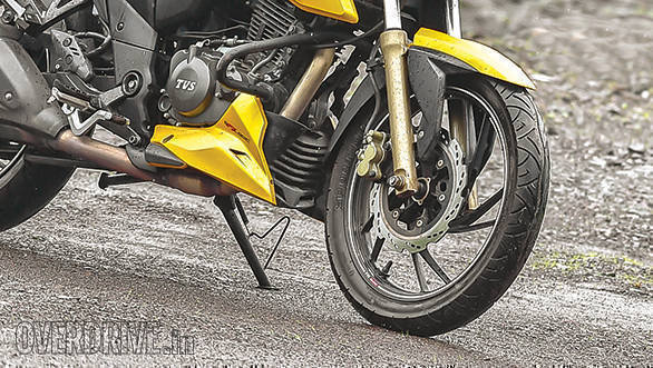 TVS Apache RTR 200 4V - August 2017 Long Term (2)