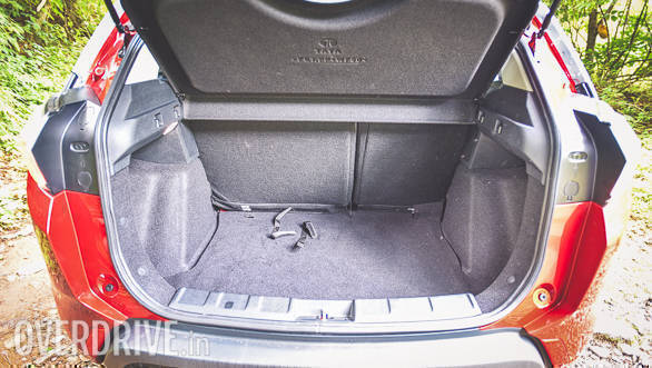 The boot space is 350 litres and can be increased to 690 litres with the help of the 60:40 split rear seats