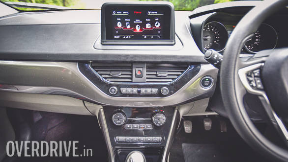 This new 6.5-inch floating touchscreen is the centre-piece of the Nexon's cabin. It is compatible with Android Auto as of now, however, Apple CarPlay will be added at a later stage. The screen is vivid and doesn't have lag. A good sign then!