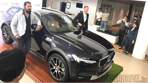 2017 Volvo V90 Cross Country launched in India at Rs 60 lakh